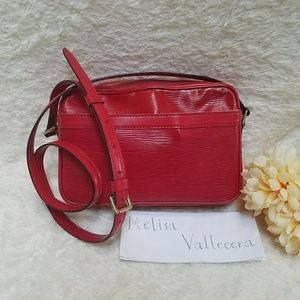 Louis Vuitton Trocadero 24 Epi Red